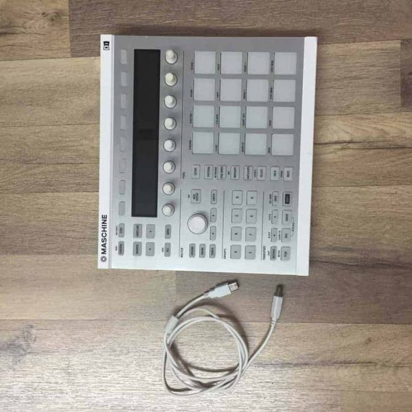 Native Instruments Maschine MK2 White MIDI Controller (Dealer Demo)